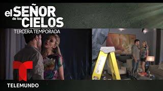 El Señor de los Cielos 3   Detrás de cámaras de Mónica y Súper Javi haciendo el amor   Telemundo