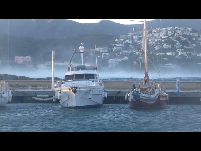 El port de Llançà, atacat per una tramuntana huracanada - Novembre 2017