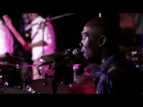 The Muffinz -  Sound Check (LIVE At Katzy's 30th May 2012)