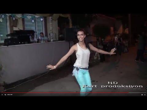 ROMAN HAVASI SEVENLER -SERKAN İLE MAVİLİNİN KAPIŞMASI 2 BELLY DANCE -Kurt Prodüksiyon