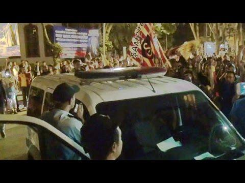 Polis Galatasaraylı taraftarlara üçlü çektirdi