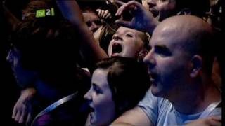 Oasis - Half The World Away - Live At iTunes Festival 2009