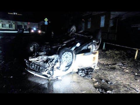 Водитель чудом выбрался из пылающего автомобиля