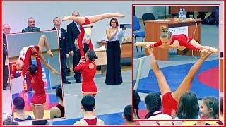 Красивые девчонки танцуют Юные гимнастки   Beautiful girl dancing Young gymnasts ACROBATIC