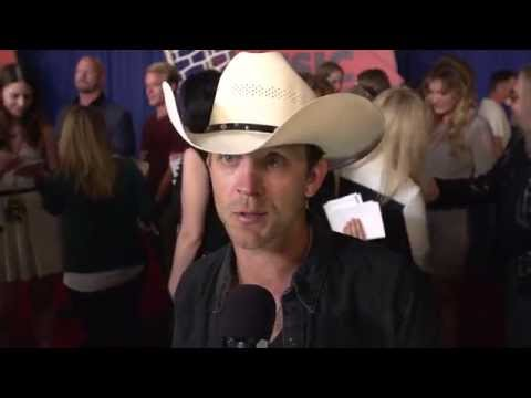 2014 CMT Music Awards Backstage with Justin Moore