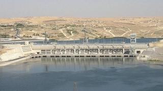 الخطر المحدق..تقرير للأمم المتحدة يحذر من انهيار سد الفرات.. إلى أين وصلت مياهه؟- هنا سوريا