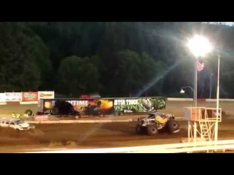Beast Mode Freestyle @ Coos Bay Speedway 2016 Monster Truck Rally!