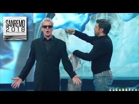 Sanremo 2018  Pierfrancesco Favino duce il BaglionONE, il presentatore del futuro