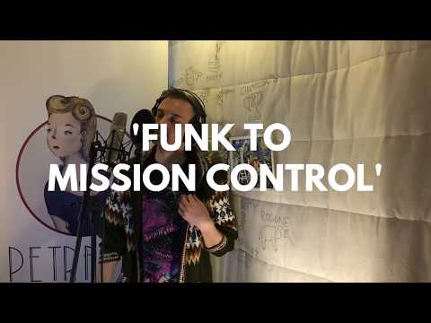 Petravita - Saturday Sessions #1: 'Funk to Mission Control'