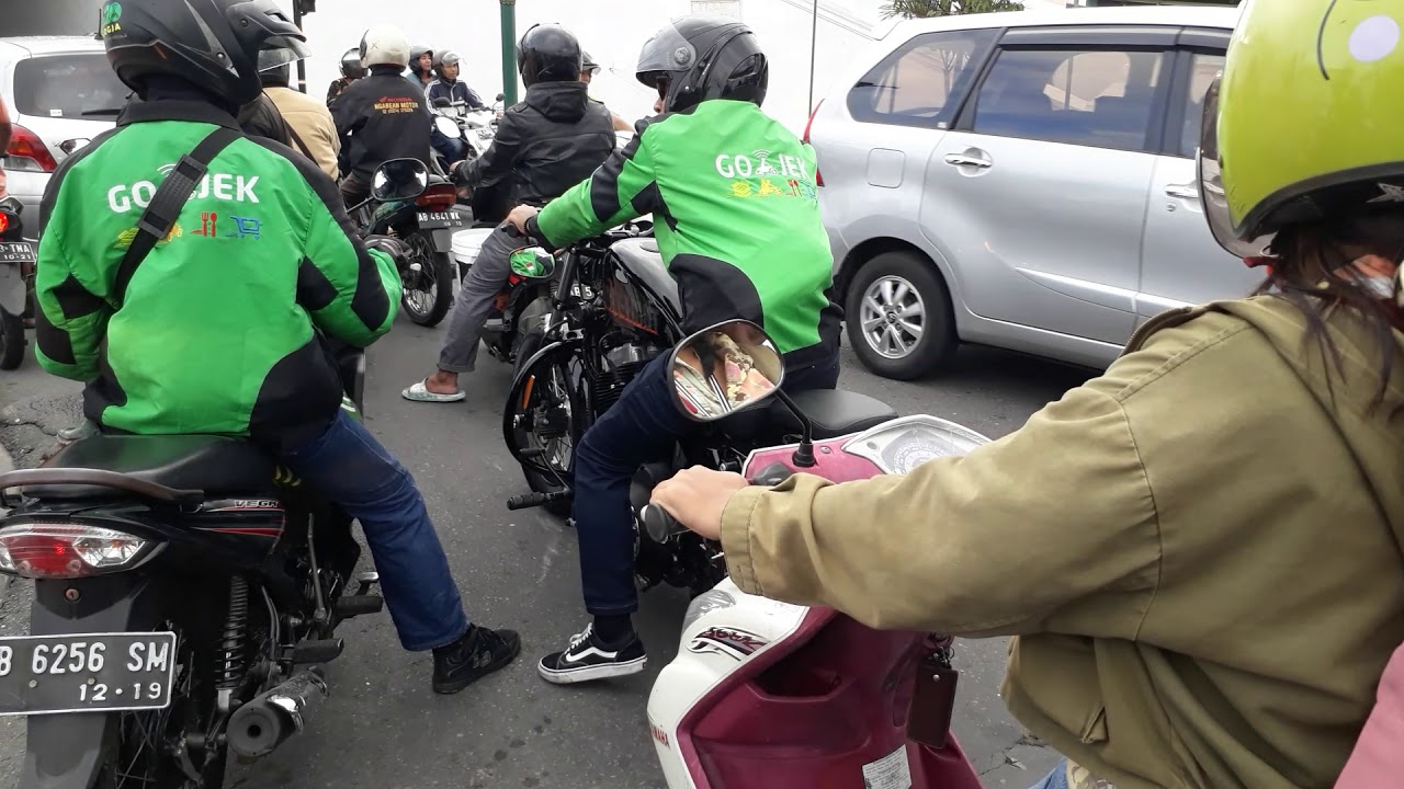 Ojek online di Jogja pakai Harley Davidson..?? - YouTube
