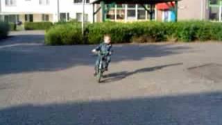 Justin kan fietsen