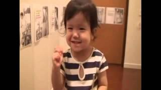 1歳2ヶ月のときから読む練習を開始したRitsuhaは 7ヶ月間で物語を一...