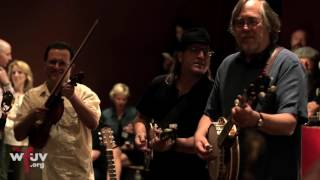 """Violent Femmes - """"Jesus Walking On The Water"""" (Electric Lady Sessions)"""