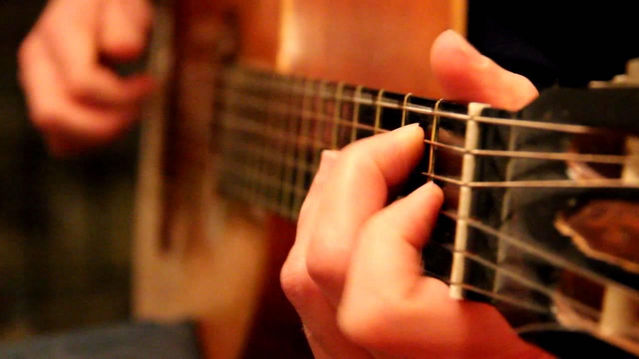 Tocando la guitarra - 5 9