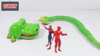Siêu Nhân Gao và Người Nhện Spiderman giải cứu Cá Sấu và Con Rắn thi quẫy đuôi hài bị ăn hiếp