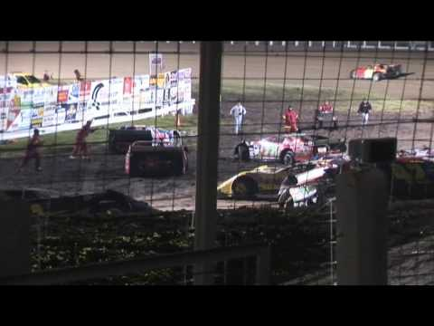 Late Model Crash at River Cities Speedway