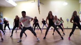 """BUZZOFIT"" dance workout by Efren Buzzo"