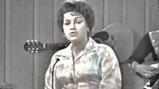 Gambar cover Patsy Cline - When I Get Thru With You