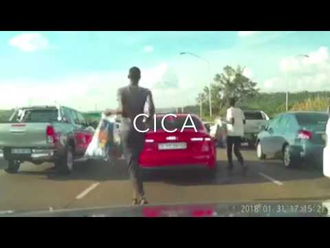 "WATCH: Criminal street ""vendors"" steal cell phones from motorists in Pretoria / Tshwane South Africa"