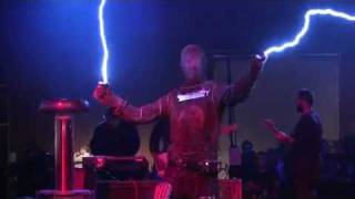 Tesla Coils - Arc Attack - Doctor Who Theme Song - Makers Faire 2010 - San Mateo - AWESOME!
