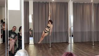 Beginner Pole Dance Choreography - Detroit become human - hold on (Gronkh Ver)