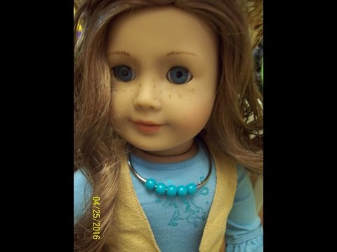 HTM: A Doll Necklace From Shower Curtain Rings!