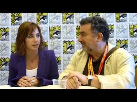 SDCC 2012: Warehouse 13 - Allison Scagliotti (Claudia) & Saul Rubinek (Artie)