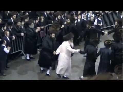 Satmar Wedding 10/17/2012 Rebbas' Mitzvah Tanz