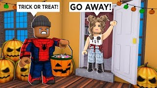I went TRICK OR TREATING..Worst Halloween Ever! (Roblox)