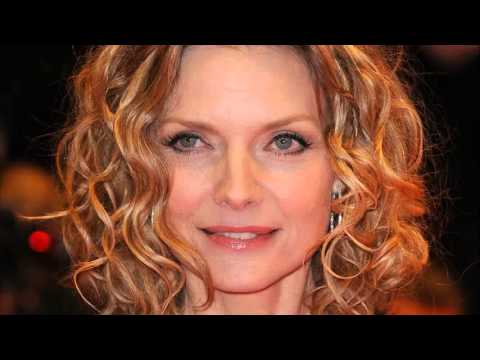 hairstyles women over 50 round face , YouTube