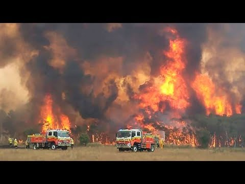 Monstrous weekend fires expected in Australia, 'leave now' warn officials