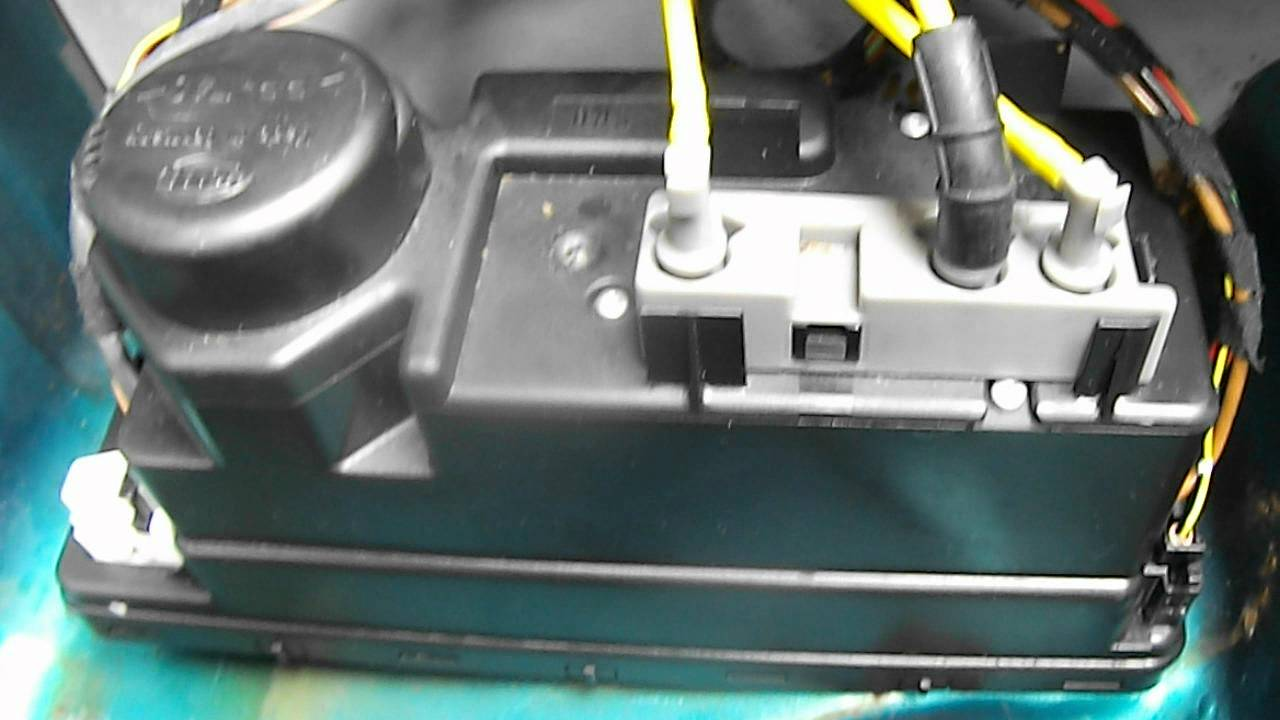 Wiring Harness For 2002 Slk230 Vacuum Pump Central Locking 58 2001 Mercedes Fuse Diagram Maxresdefault Pse Noise Youtube At