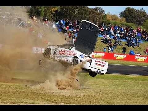 Top 10 V8 Ute Crashes of All Time