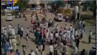 Jat Protesters in Fatehabad 'Pelt Stones' on Haryana Police
