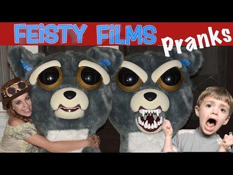 Giant Feisty Pet Halloween Prank!