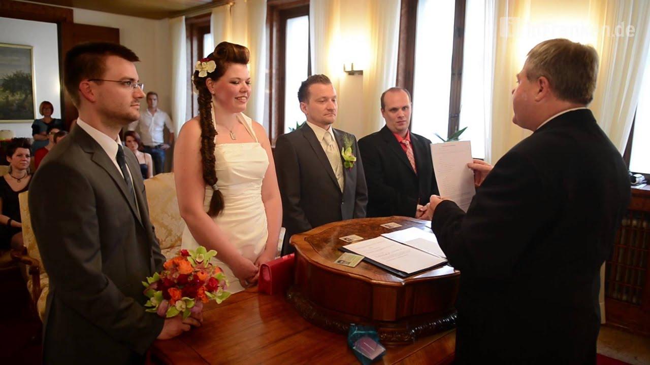 Hochzeit standesamt die besten momente der hochzeit 2017 for Standesamt dekoration hochzeit