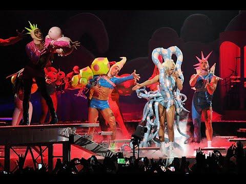Lady Gaga artRAVE: The ARTPOP Ball DVD [2/3]