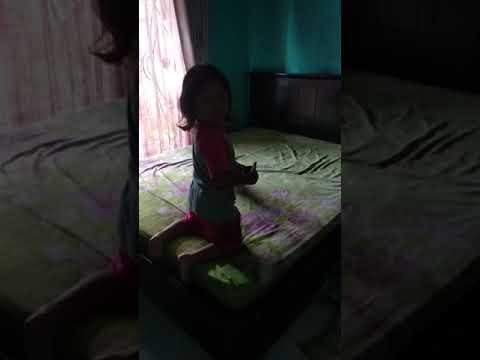Membersihkan tempat tidur mama thumbnail
