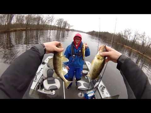 Wisconsin River Walleye Fishing, March 26th 2017,  Vertical Jigging