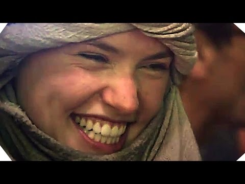 STAR WARS 7 'The Force Awakens' - Dressing Daisy Ridley (2016)