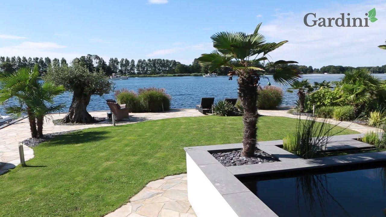 Au kl m grote mediterrane tuin met diverse moderne zithoeken youtube - Outs zwembad in de tuin ...