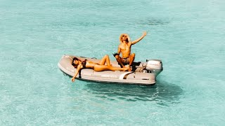 BOAT LIFE a voyage to the sand bar of your dreams..