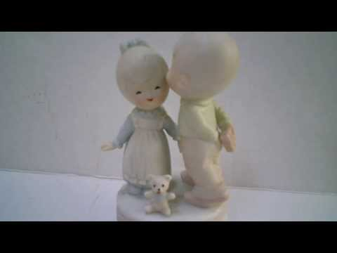 Vintage Boy and Girl Porcelain Musical Figurine. Plays