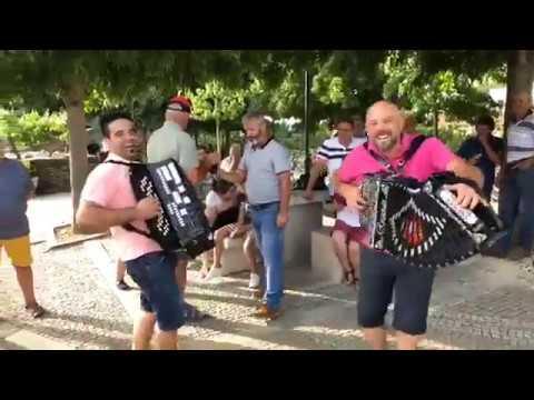 Vitor Monteiro e Ricardo Laginha - Sou Português Emigrante + Marcha do Dany