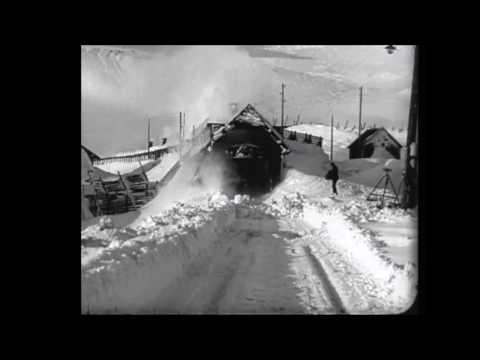 Snøstorm og snørydding Finse stasjon 1916