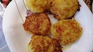 Как приготовить вкусные драники с сыром и чесноком