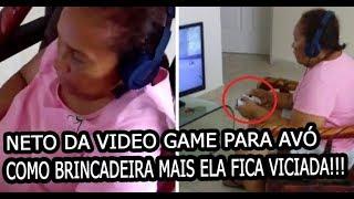 Baixar neto da video game para avó como brincadeira, mas ela fica viciada em jogar