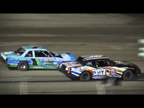 IMCA Hobby Stock feature Independence Motor Speedway 4/16/16