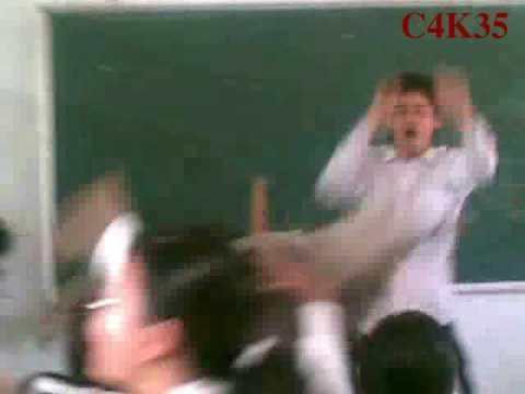 C4K35 - [1] - Lớp trưởng dạy múa cột