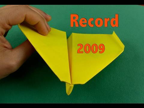 Aereo di carta record 2009 Paper Airplane Guinness Record-Other Angle(Takuo  Toda) - YouTube 0d5798c44883